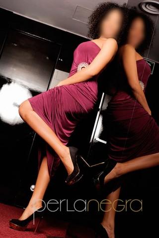 Rebeca, ardiente escort latina de 23 años