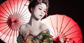 Can Geishas be considered whores?