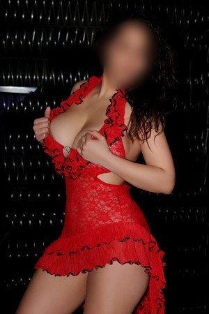 Isabela spanish escort in Barcelona