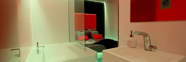 Chambre Red&White