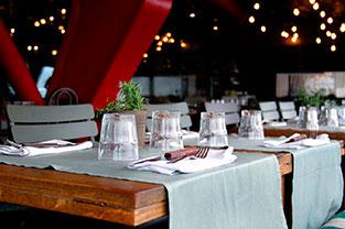 Cenar con una escort en un restaurante de Barcelona